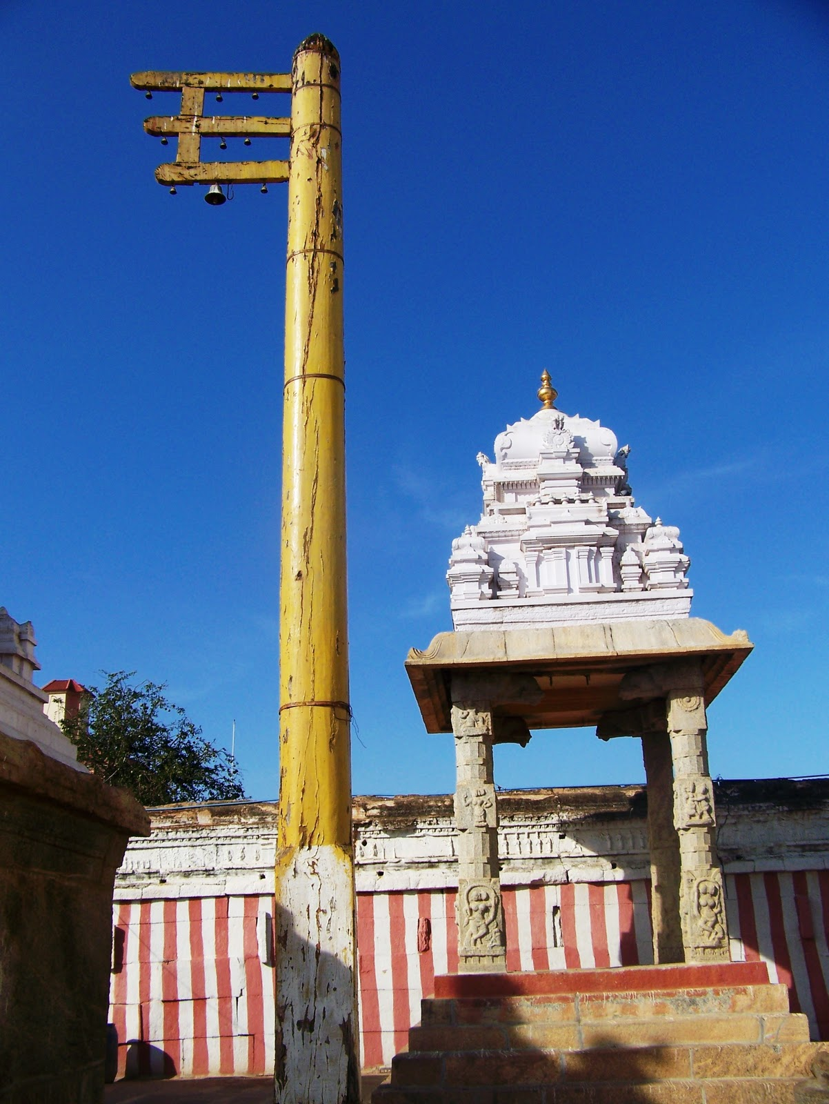 Alambagiri Venkateshwara temple (1)