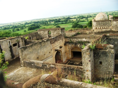 A view of Hyder Mahal from the Kadak Bijli Toph view point
