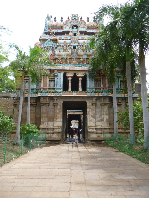 The entrance to Thiruvannaikaval Shiva temple