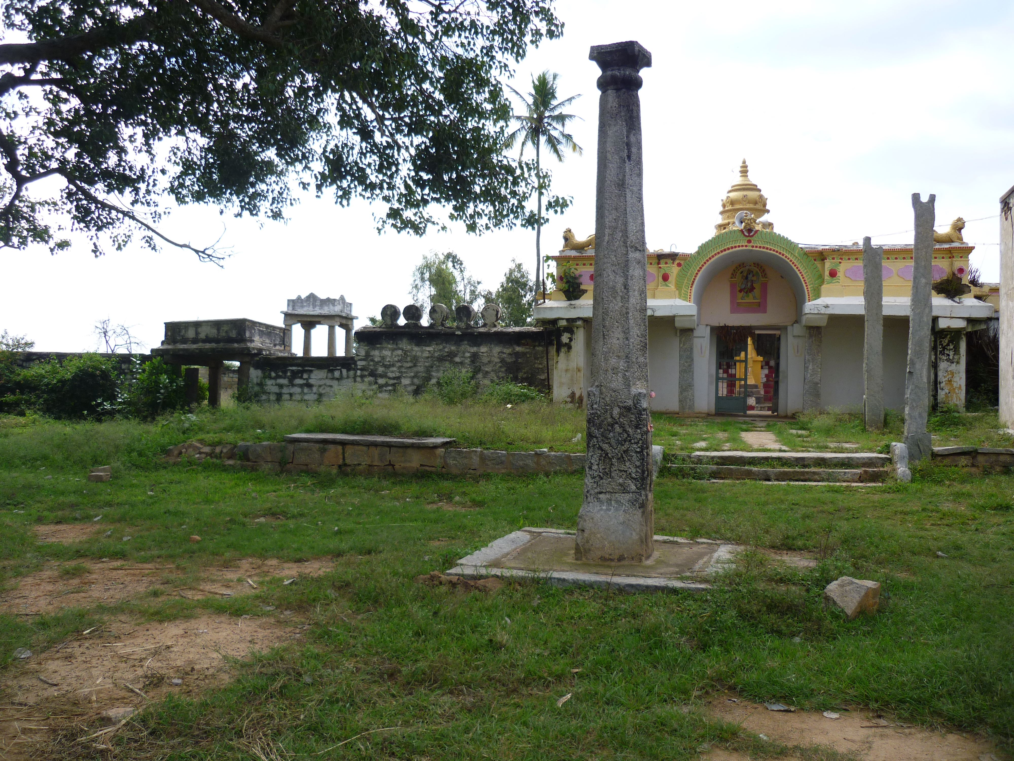 The Vishnu temple enroute to Devarabetta from Thally